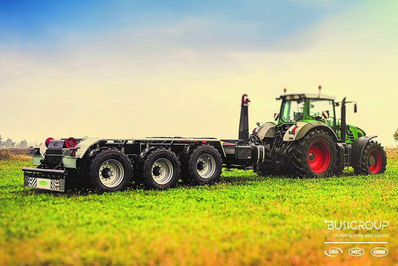 Agricultural hooklift trailers