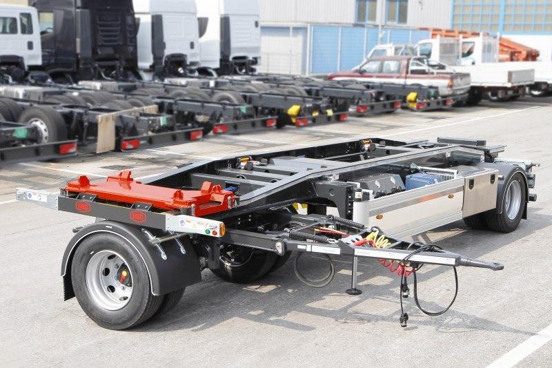 Rimorchio MEC per trasporto di carrozzerie con sistema ribaltabile